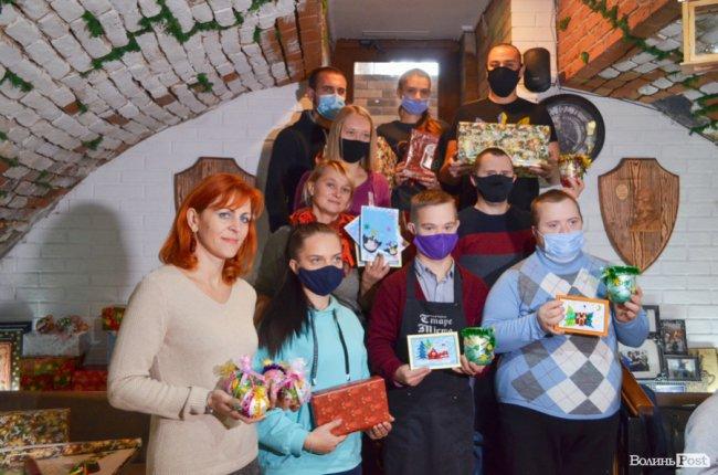 У Луцьку влаштовують аукціон для порятунку онкохворої дівчини. ФОТО