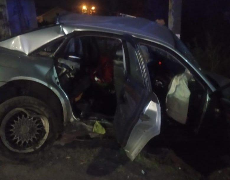 22-річний волинянин на Audi влетів у стовп: травмувалися 4 людей