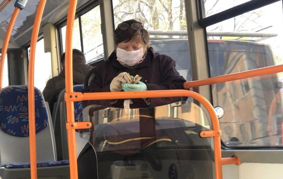 У Луцьку пропонують зробити платним проїзд безробітних пенсіонерів у громадському транспорті