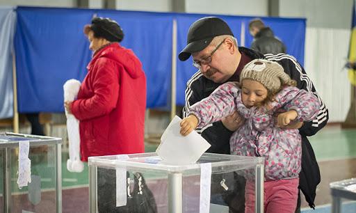Повідомили, яка явка на виборах мера Луцька станом на 13:00