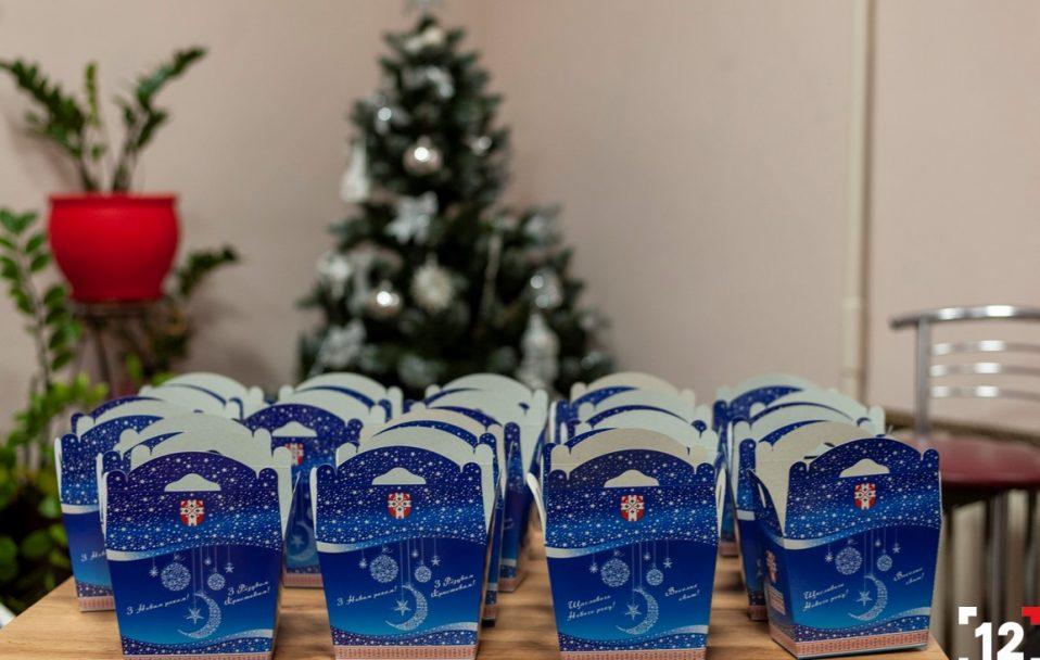 """21 000 подарунків: БФ """"Патріоти Волині"""" передав гостинці малюкам. ФОТО"""