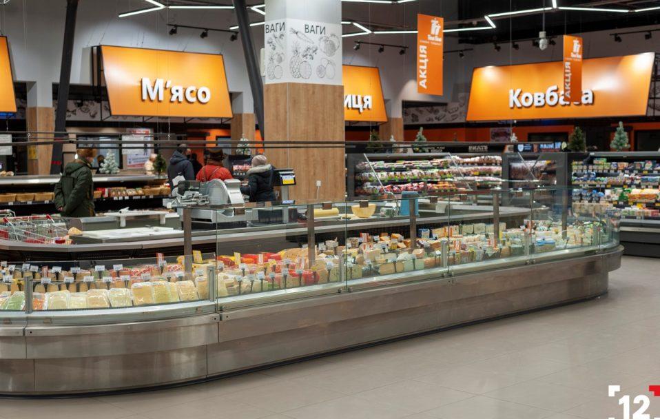 """Сьомга, манго, посуд і цукерки: що купити по акції в """"Там Тамі"""" до 10 березня*"""