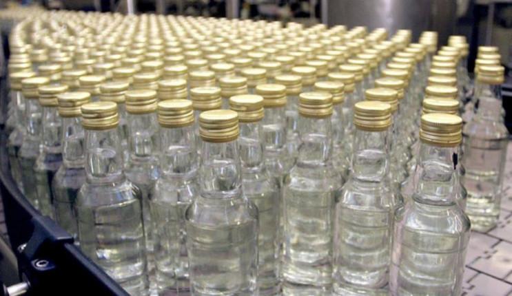 У Луцьку накрили підпільний цех, де виробляли алкоголь. Організаторів судитимуть