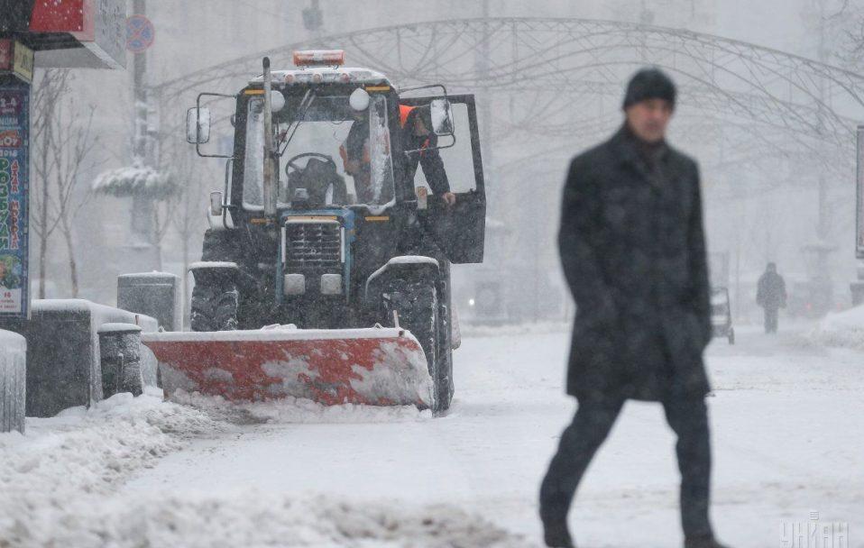 У Луцьку водії снігоочисної техніки крадуть пальне