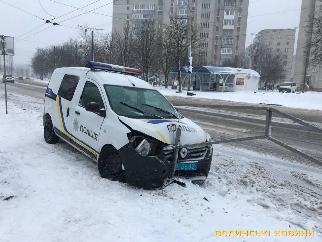 У Луцьку авто поліції втрапило в ДТП. ФОТО
