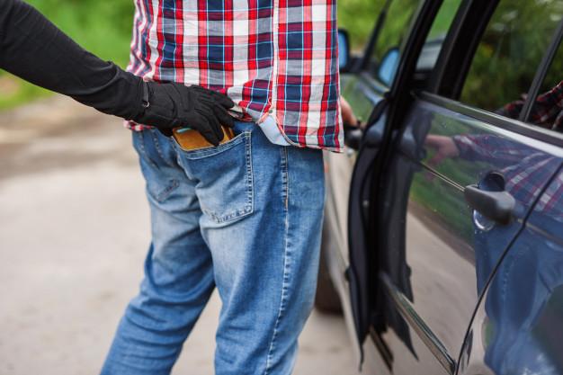 Обкрадали п'яних чоловіків і брали на них кредити: затримали шахрайок, які орудували в Луцьку