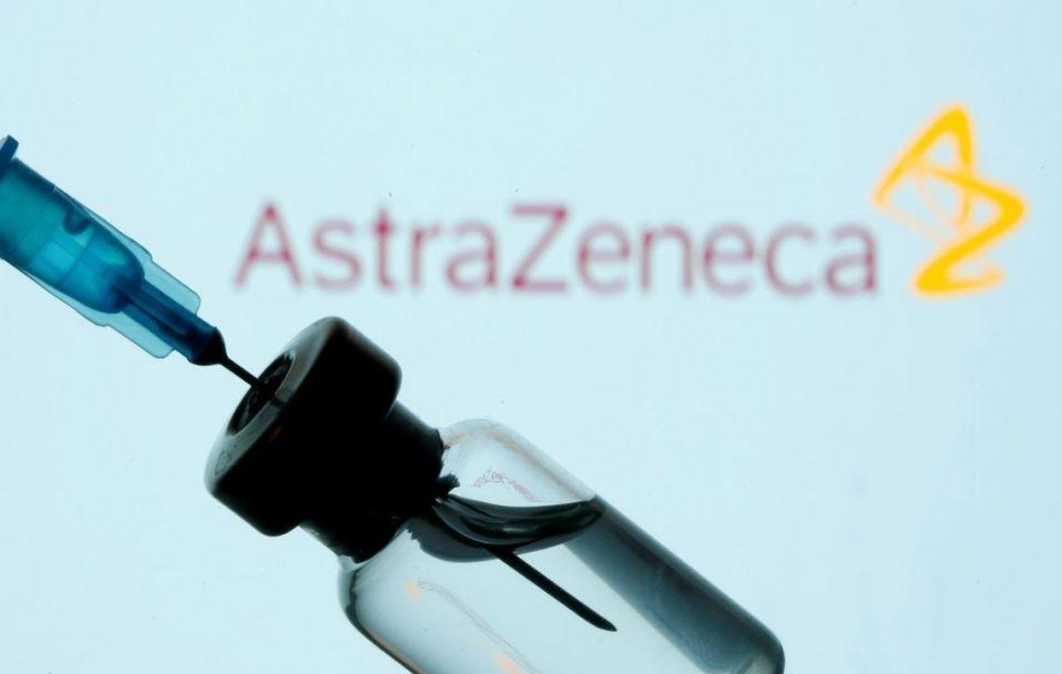 500 тисяч доз препарату AstraZeneca: в Україну прибула перша партія вакцини проти COVID-19