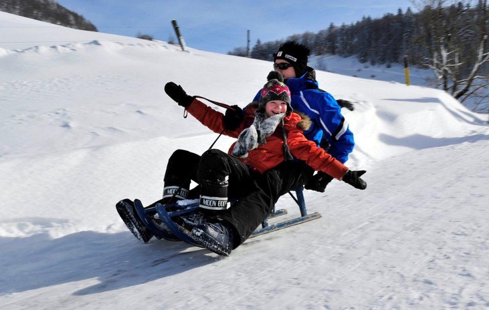Змагання лижників, перегони на санчатах і фестиваль скульптур: лучан кличуть на зимові розваги у вихідні