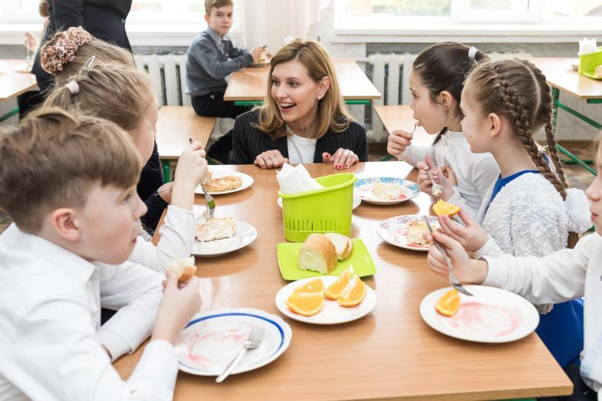 Значно дешевше і смачніше: у сільській школі під Луцьком – новий підхід до харчування дітей. ВІДЕО