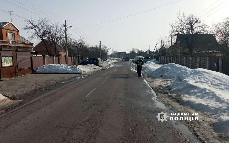 Травмував пішохода і втік: поліцейські затримали водія, який вчинив ДТП у селі під Луцьком. ФОТО