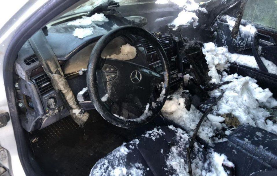 На Волині – автомобільна пожежа: салон вигорів ущент. ФОТО