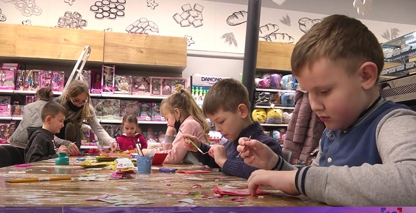 """Щовихідних у """"Там Тамі"""" безплатно проводять майстер-класи для малечі. ВІДЕО"""