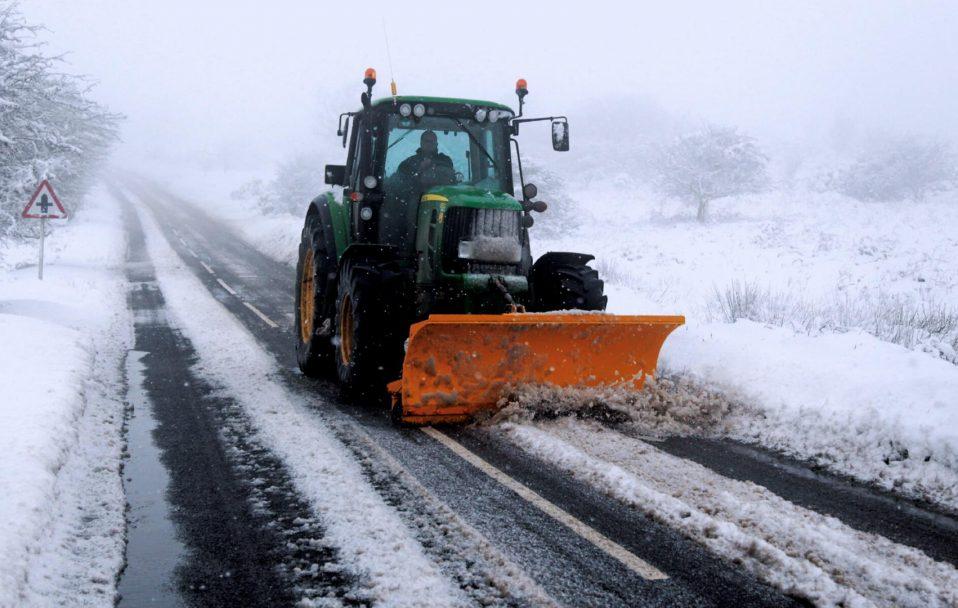 На Волині трактор, який чистив сніг, переїхав чоловіка