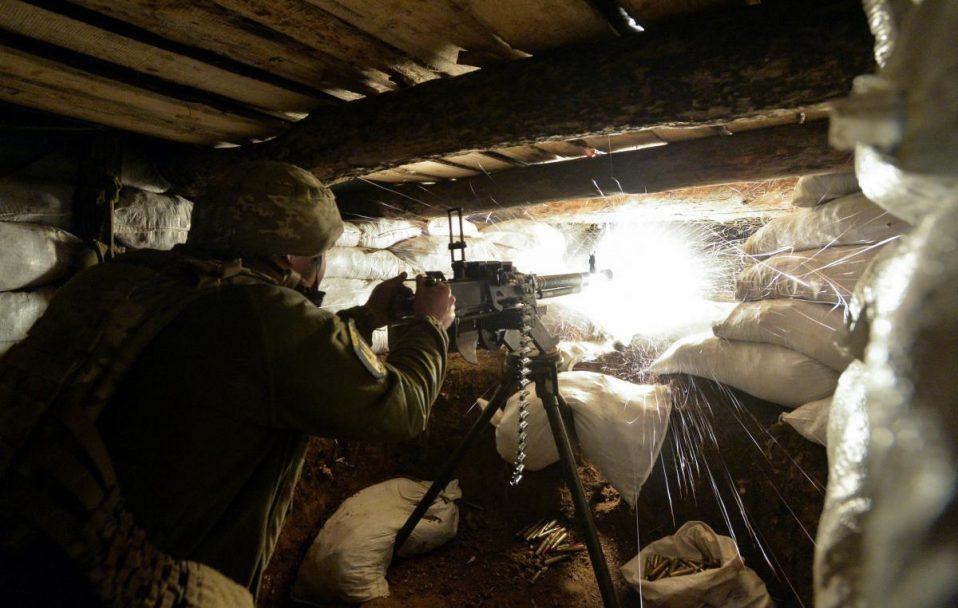 На Донбасі окупанти поранили українського бійця