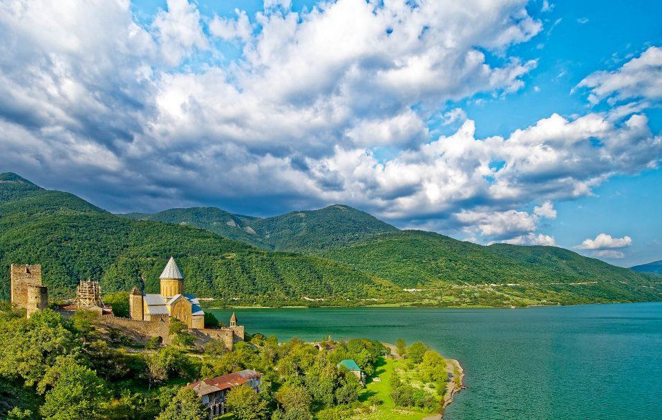Грузія відкриває кордони для українців, але є умови