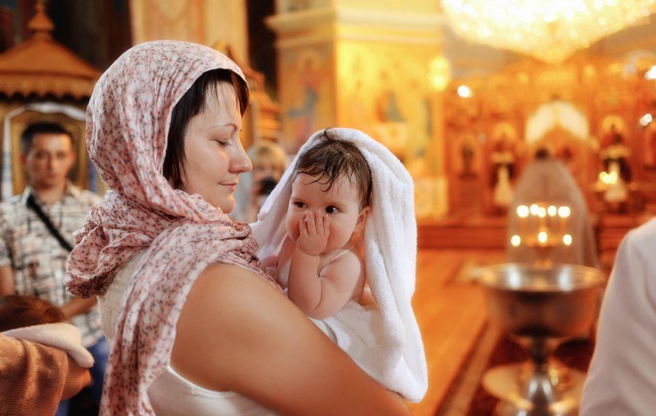 Скільки має бути хресних: пояснення луцького священника