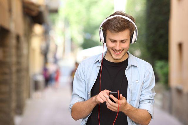 Чи можна слухати музику, танцювати і дивитися кіно в піст: пояснення волинського монаха. ВІДЕО