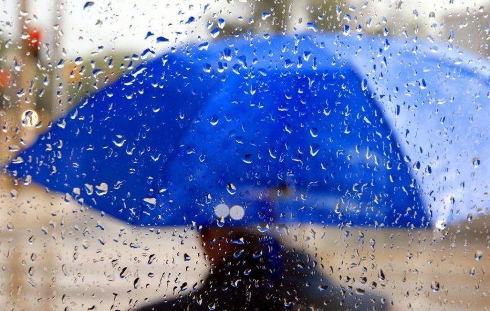 Синоптики попереджають волинян про дощ і сильний вітер