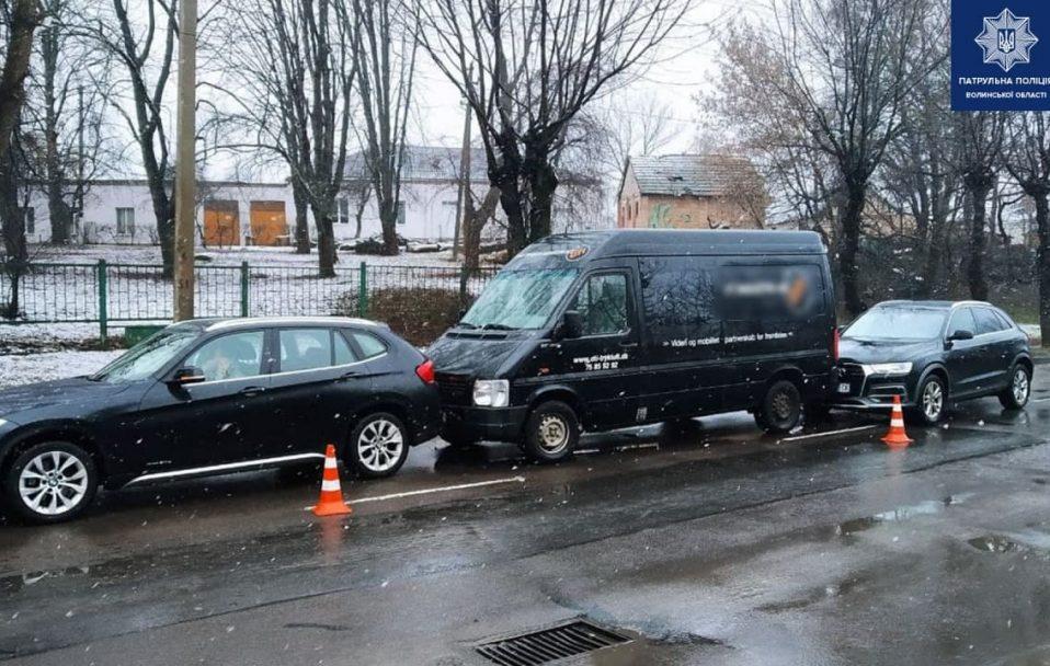 У Луцьку водійка Audi Q5 вчинила подвійну ДТП