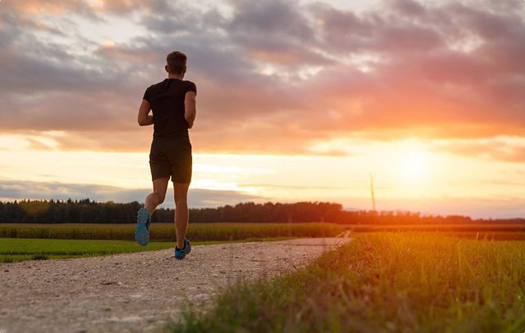 Скільки часу бігати, що їсти і як завершувати тренування: поради луцького спортсмена