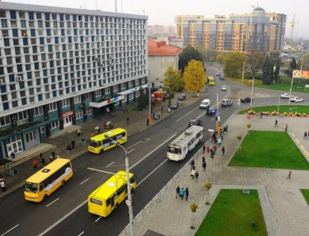 Придумали оптимальну схему проїзду кільця біля «Променя» у Луцьку. ФОТО, ВІДЕО