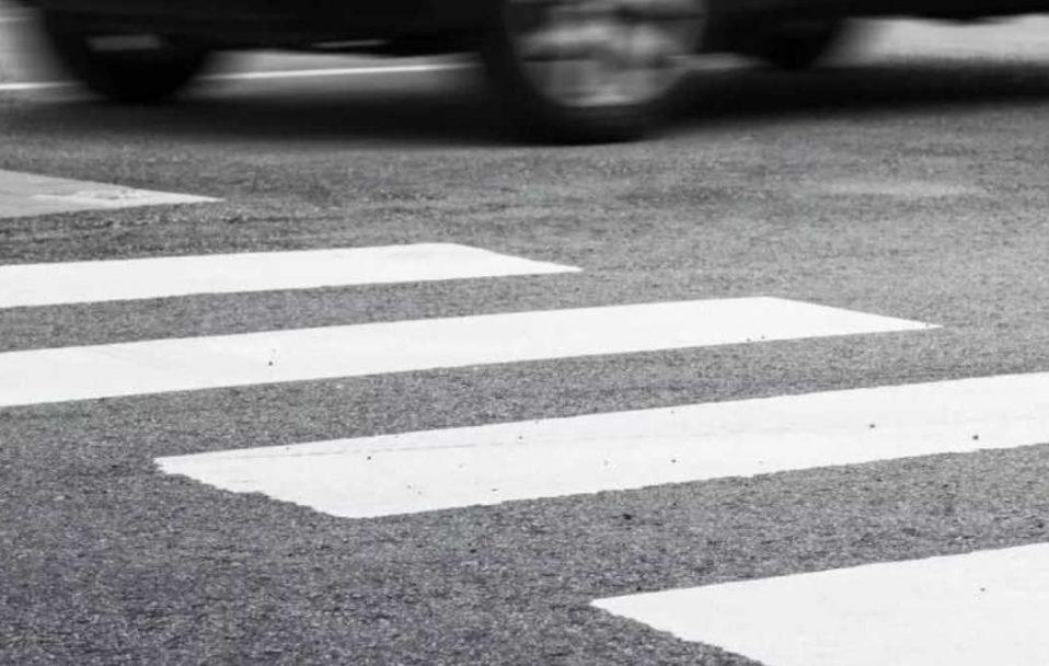 """У Луцьку на """"зебрі"""" авто збило 24-річного пішохода"""