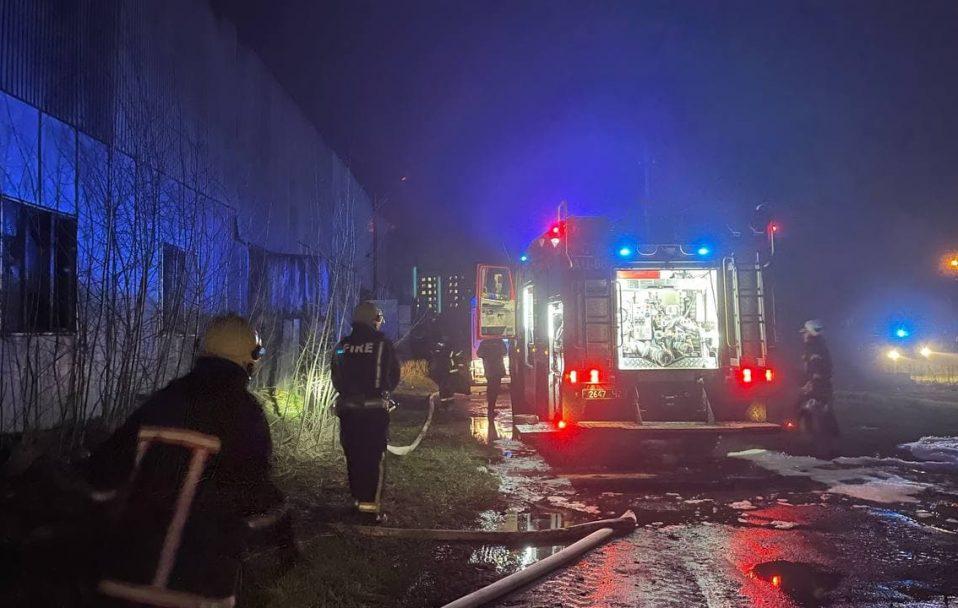 У Луцьку згоріли три машини. ФОТО