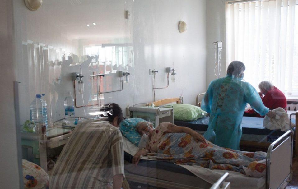За добу в Україні виявили 6 796 нових випадків COVID-19. Скільки на Волині?