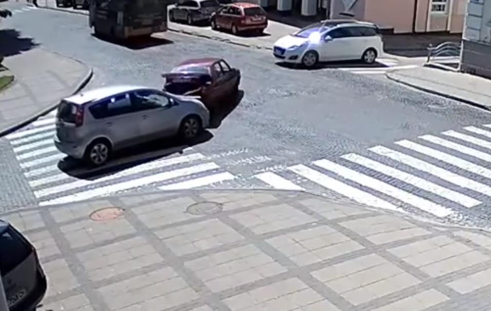 У центрі Луцька – аварія за участю двох легковиків