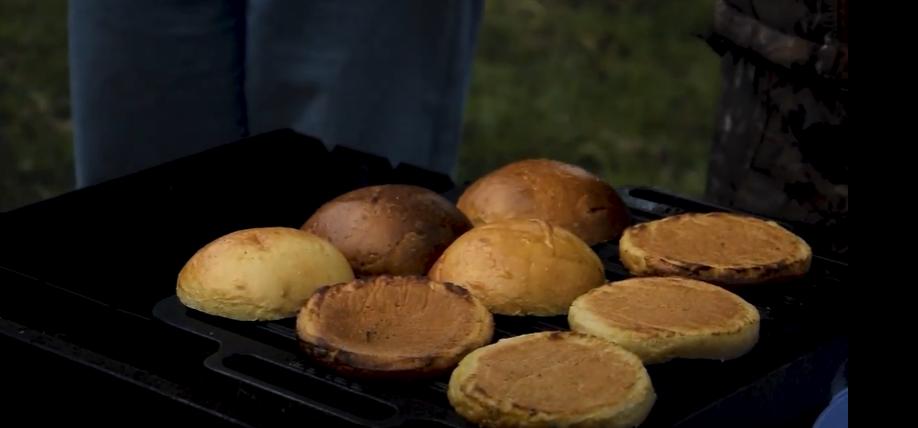 Як приготувати справжній американський бургер?   MaShow