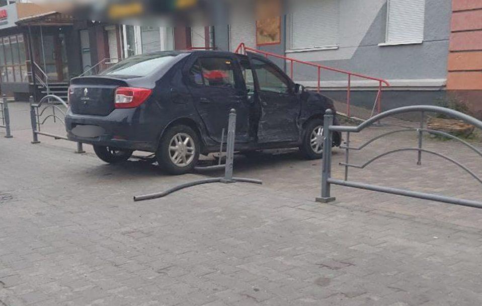У Луцьку – ДТП на Перемоги: зіткнулися два Renault. ФОТО