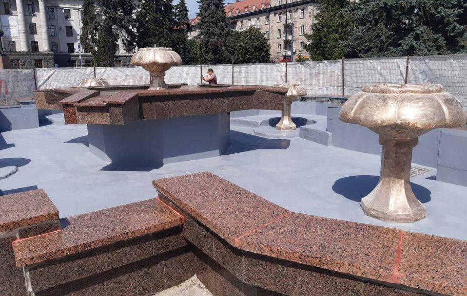 Показали, як відремонтували фонтан у центрі Луцька. ФОТО