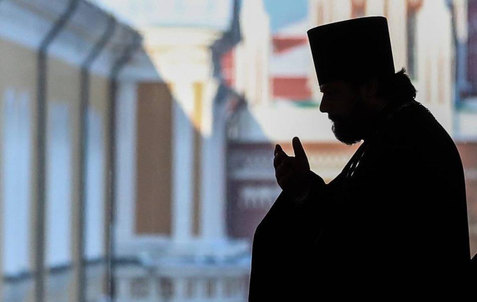 «Ця людина оступилася, їй потрібен час подумати», – намісник монастиря біля Луцька про батюшку-перебиранця