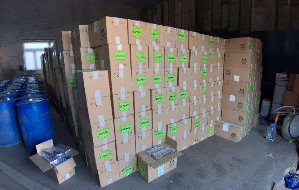 У Луцьку вилучили крупну партію контрабандних цигарок. Загальна вартість – 600 тисяч доларів. ФОТО
