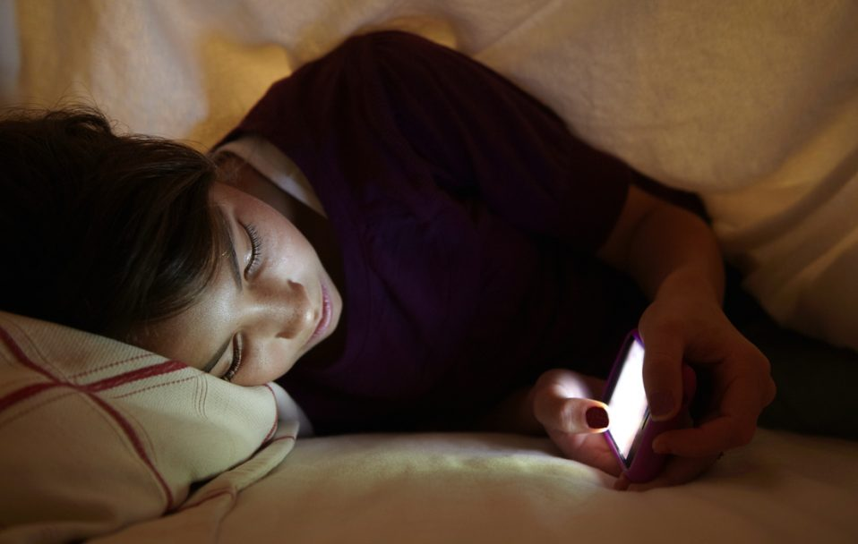 Чому спати треба лягати вчасно? Пояснення волинської лікарки