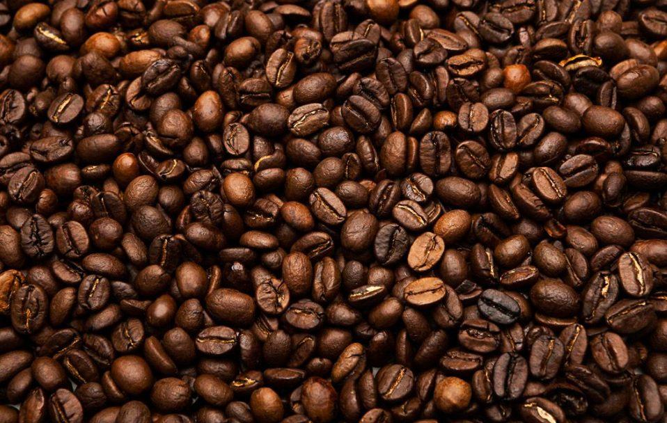Чому у світі стрімко дорожчає кава