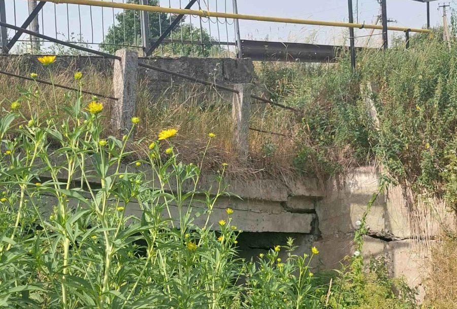 У селі на Волині руйнується міст. ФОТО