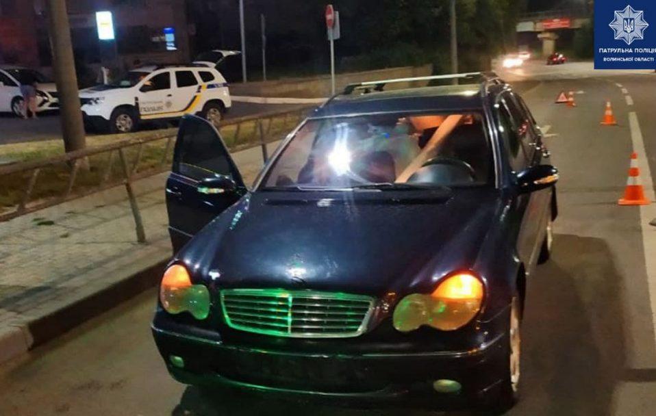 У Луцьку п'яний водій вчинив ДТП і втік