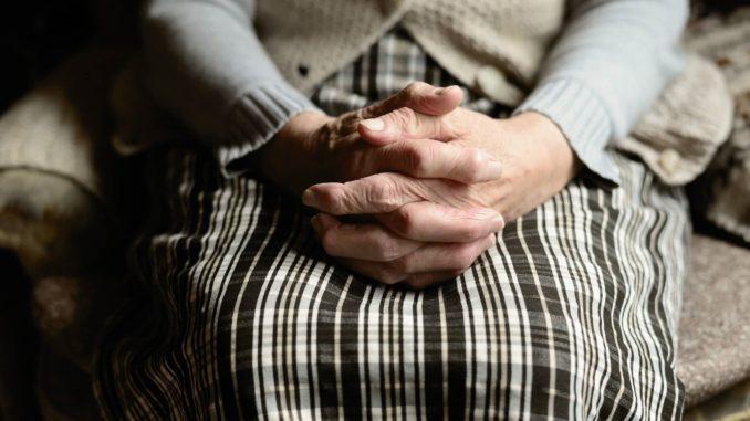 Пенсіонерка з Волині віддала шахраям 117 тисяч, щоб врятувати сина