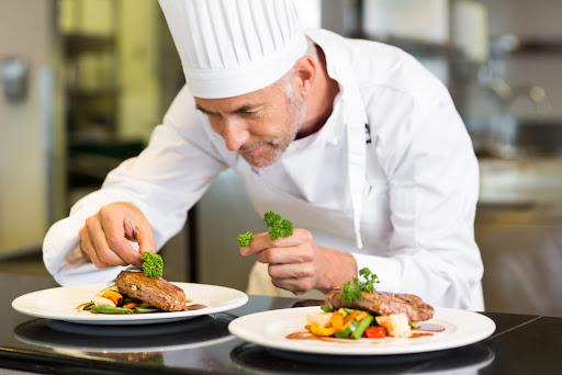 Робота на Волині: що пропонують кухарям. ВАКАНСІЇ