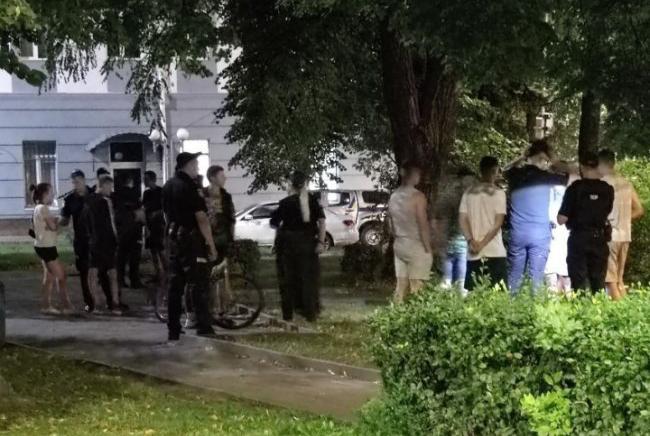 Масова бійка біля приміщення Нацполіції у Луцьку: підозру оголосили двом студентам