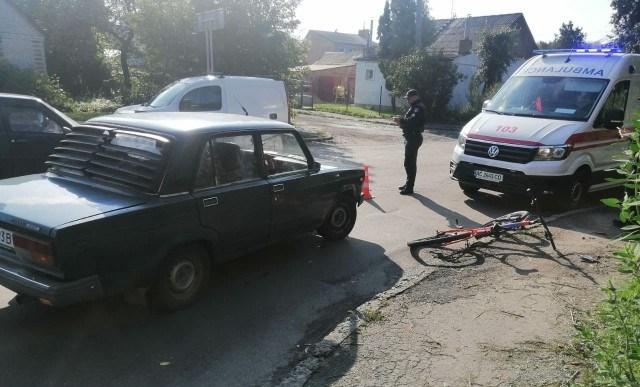 У Луцька автомобіль збив велосипедиста. ФОТО