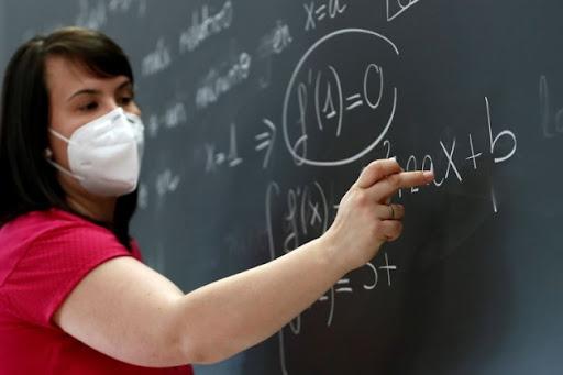 В Україні повністю вакциновані від коронавірусу 29% шкільних колективів