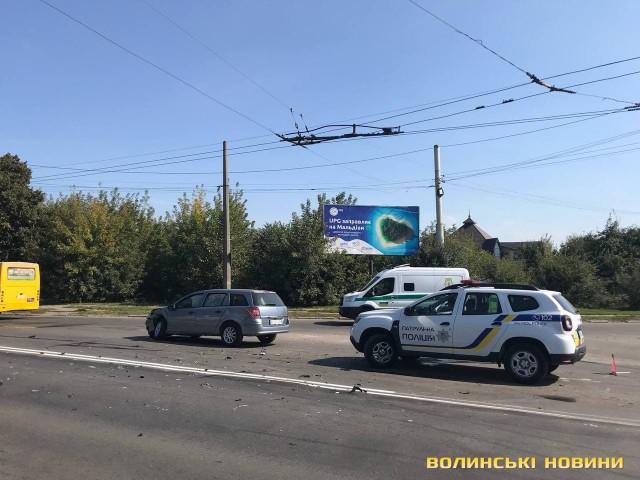 На виїзді з Луцька – аварія: двоє постраждалих. ФОТО