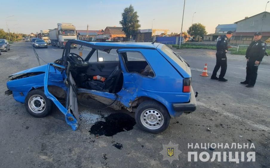 Поблизу Луцька Volkswagen врізався у Renault: є постраждалі. ФОТО