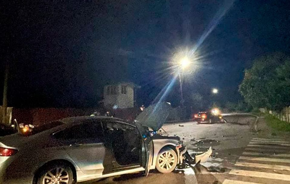 У Луцьку вночі 18-річний п'яний водій утік з місця аварії. ФОТО