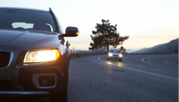 Нагадування водіям: з 1 жовтня слід обов'язково вмикати ближнє світло