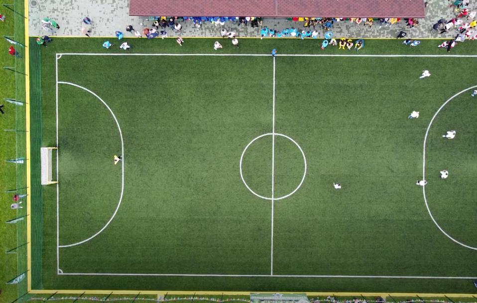 """""""Континіум"""" вкотре об'єднав усі компанії на футбольному полі. ВІДЕО"""