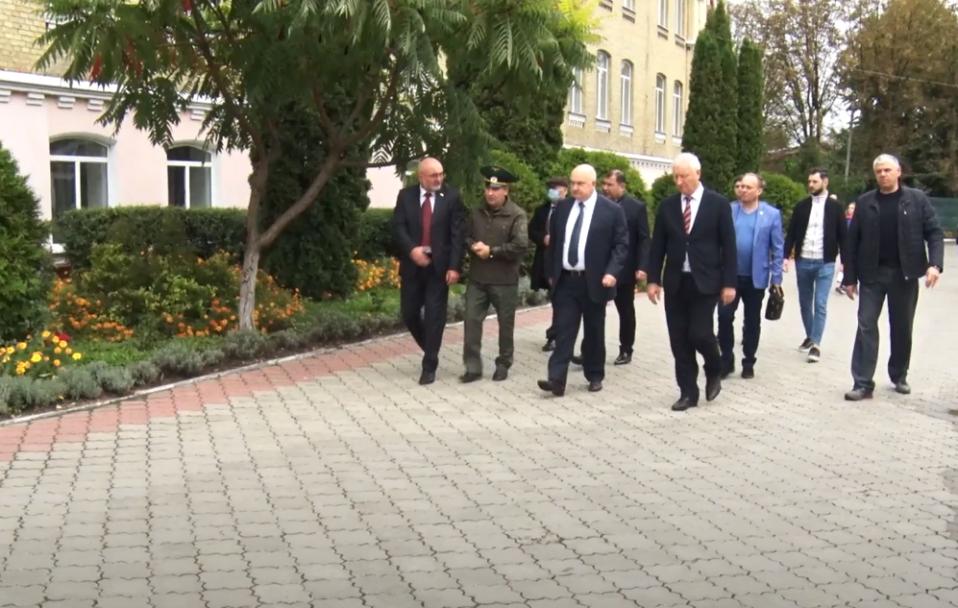 """Партійці """"Сили і честі"""" відвідали військовий ліцей у Луцьку. ВІДЕО*"""