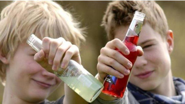 На Рівненщині двоє дітей отруїлися алкоголем